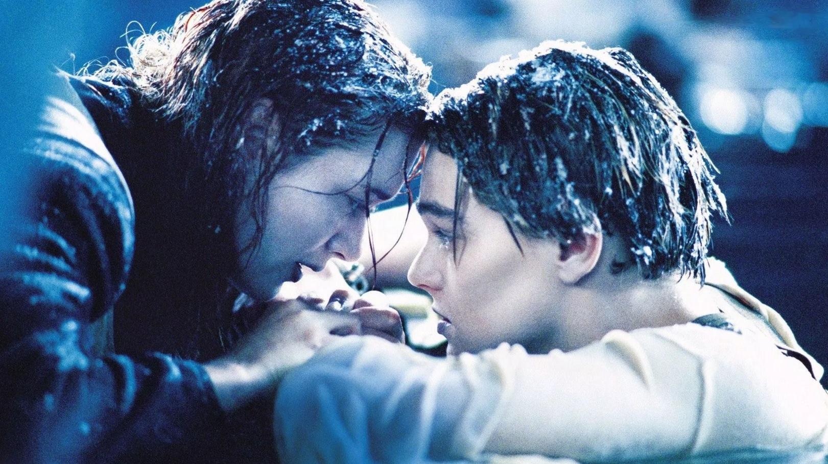 Kate Winslet finally admits Rose could have fitted Jack on that floating Titanic door - SquareEyed.tv  sc 1 st  SquareEyed.tv & Kate Winslet finally admits Rose could have fitted Jack on that ...