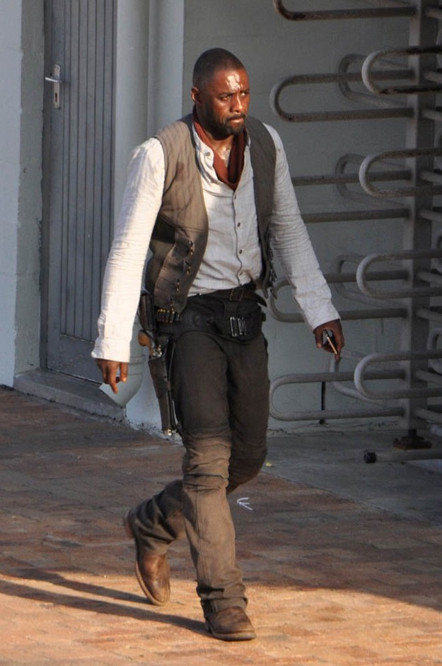 First look at Elba as Roland Deschain